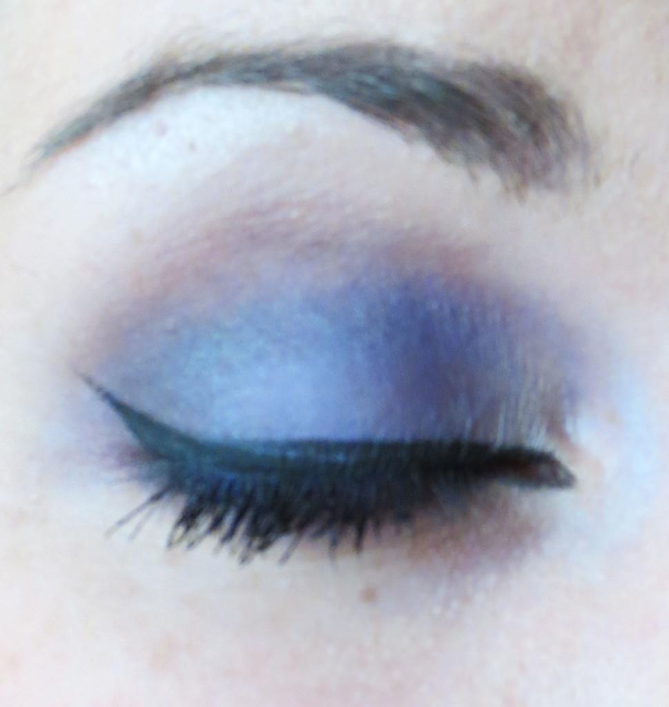 Eye closed purple look
